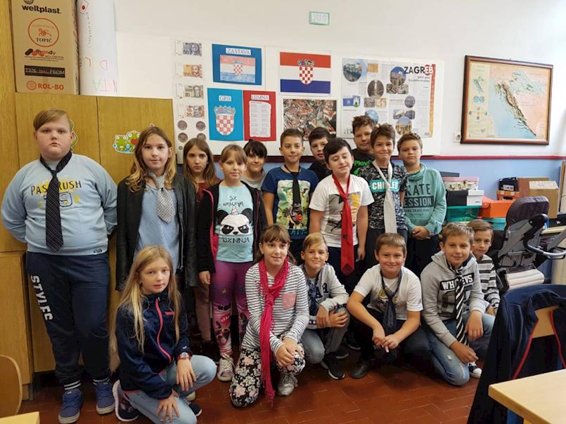 "Obilježen Dan kravate u OŠ ""Ivo Lola Ribar"""