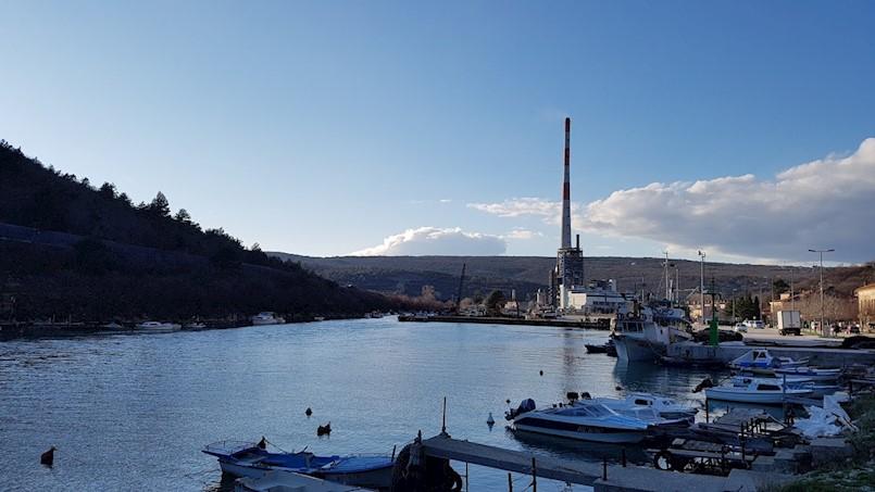 Neobvezujući Poziv o iskazu interesa za korištenjem komunalnog veza na lokaciji priveza čamaca u Plomin Luci