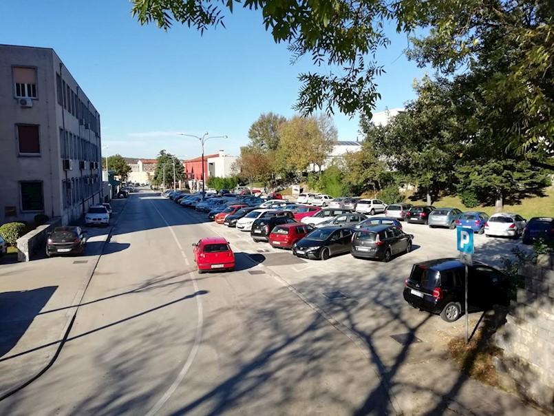 NA MJESTU BIVŠIH RUDARSKIH OKANA NIČU DVIJE NOVE POSLOVNE ZONE - Grad dobiva i dva nova parkirališta I treću benzinsku postaju