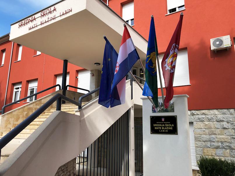 Srednja škola Mate Blažine Labin domaćin je prvog susreta partnera u projektu ERASMUS+K2 Make a smart choise