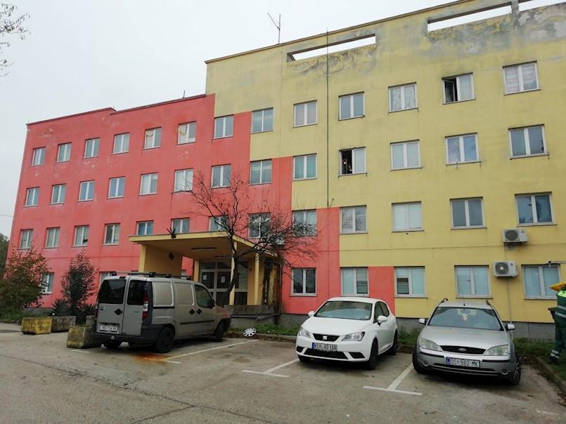Samački hotel ili Dom za osobe u nužnom smještaju STANARI IZABRALI SANACIJU STOLARIJE UMJESTO WC-A