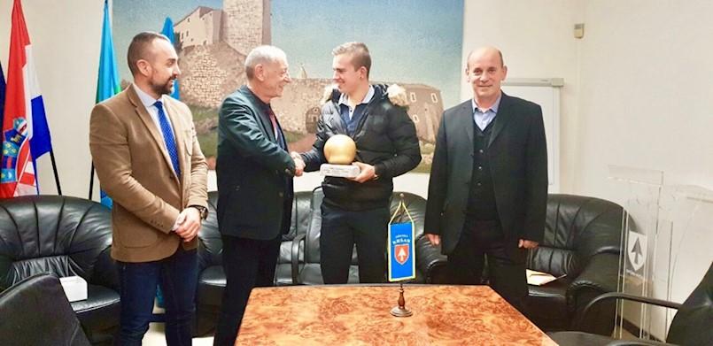 Kršan:  Prijem za zlatnog boćara Matea Načinovića