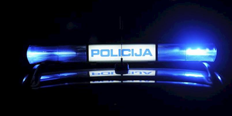NOVI ZAKON | Strože kazne u prometu: Bez auta zbog prolaska kroz crveno, 1500 kuna zbog telefoniranja u vožnji