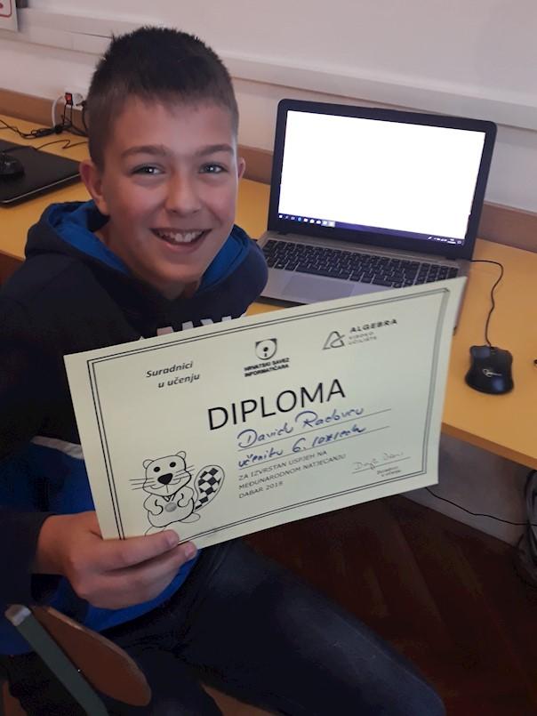 """David Radovac iz OŠ V.Š.Pajo Nedešćina među 10% najboljih na međunarodnom online natjecanju iz informatike i računalnog razmišljanja """"Dabar"""""""