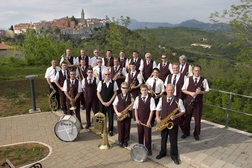 Božićno-novogodišnji koncert Gradskog orkestra i gostiju