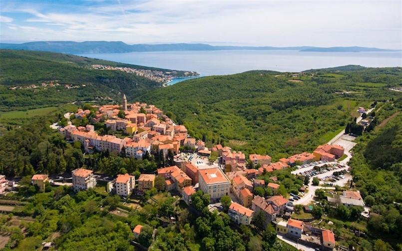 Božićno-novogodišnja čestitka gradonačelnika Valtera Glavičića