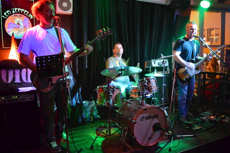 Za kraj godine u labinskom Rock Caffeu koncert bendova Azrmani i En Face