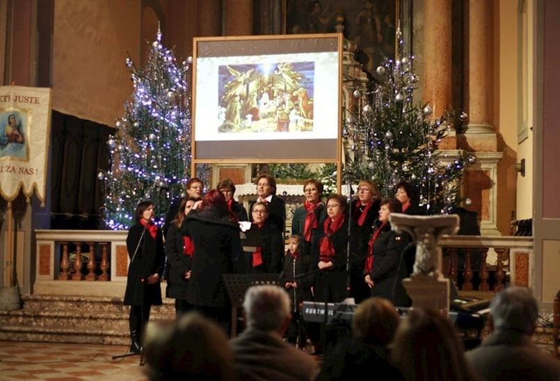U labinskoj crkvi B.D. Marije održan Božićni koncert zborova i solista