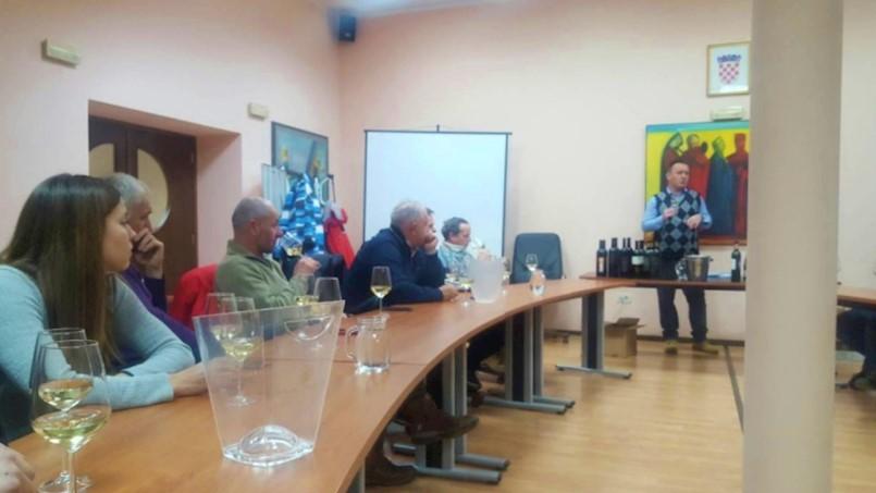 Udruga vinograda i vinara Labinštine ''Trs'' održala radionicu