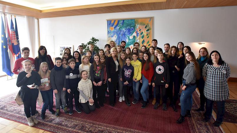 Gradsko vijeće mladih i Savjet mladih u posjeti Predsjednici Republike Hrvatske