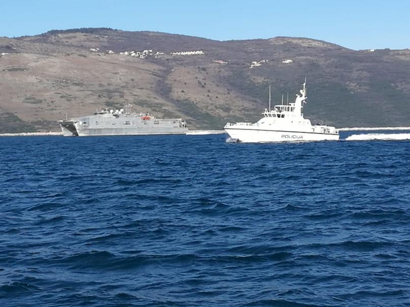''Tajanstveni špijunski brod'' prošao ispred Rapca