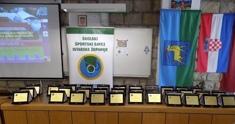 U SŠ Mate Blažine održana svečanost dodjele priznanja Školskog sportskog saveza Istarske županije