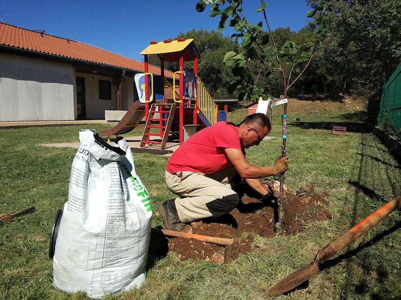 Prvi maj d.o.o. Labin traži osam sezonskih vrtlara