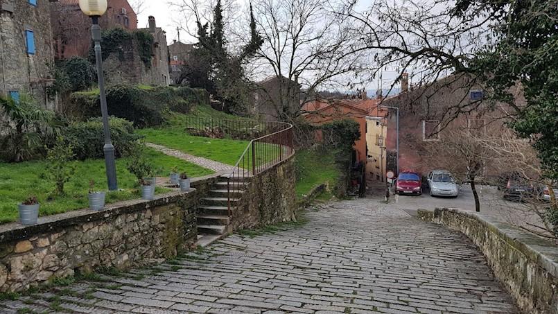 Grad Labin prodaje stambeno poslovnu zgradu u starogradskoj jezgri po početnoj cijeni od 277.300,00 kn