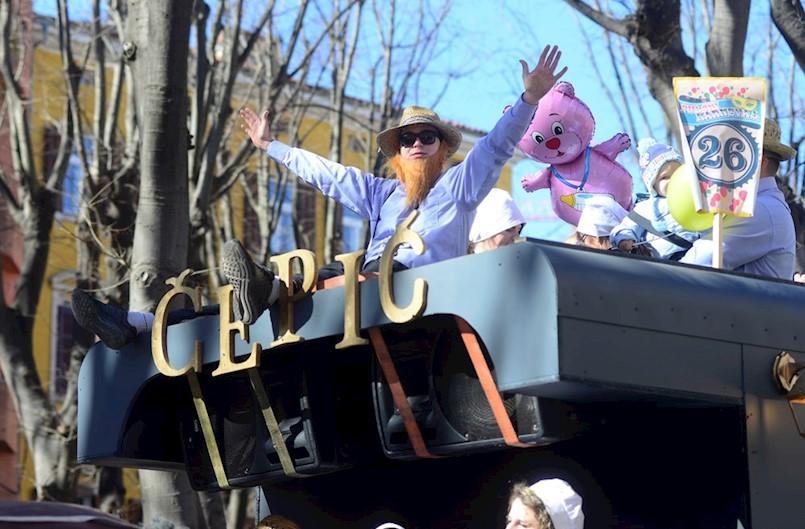 Čepljonske maškare sa svojim Amišima najbrojnija maškarana skupina na 5. pulskom karnevalu