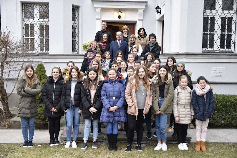 Susret veleposlanika RH u Poljskoj s ravnateljicom i polaznicima Umjetničke škole Matka Brajše Rašana iz Labina