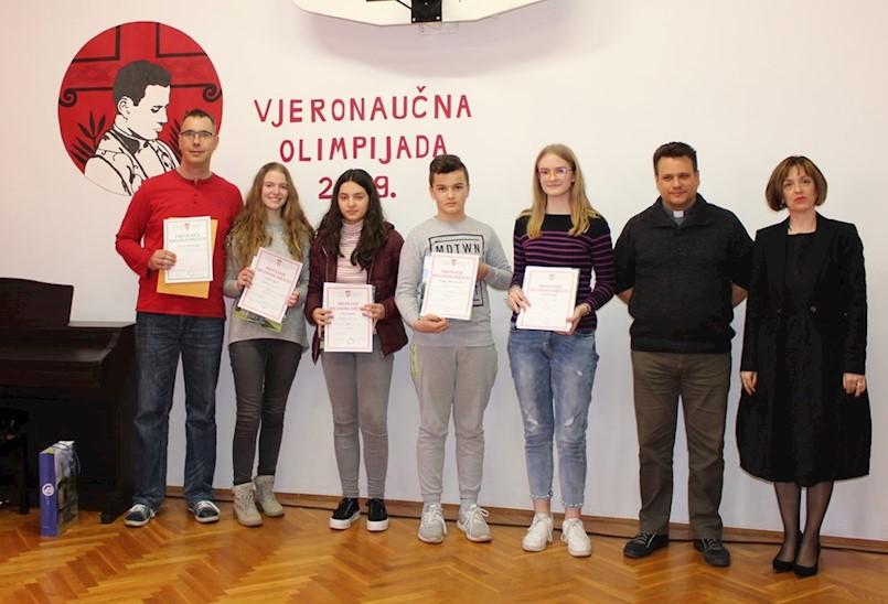 Labinski osnovnoškolci i srednjoškolci uspješni na županijskom natjecanju u vjeronauku