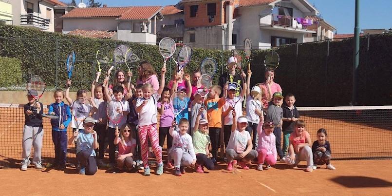 [TENIS] Uspješni mladi tenisači TK Rapca na OP Rukavca | 60 natjecatelja na jakom turniru OP Rapca do 18 godina