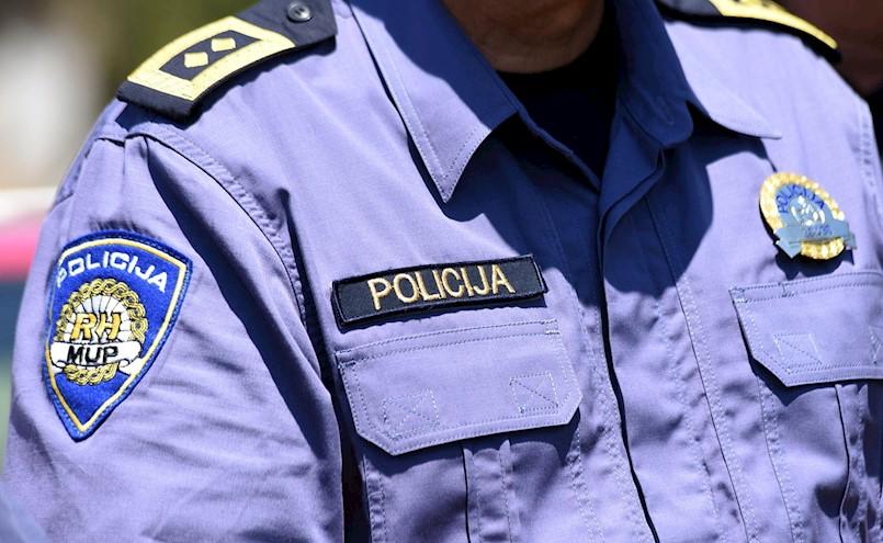 Stižu izmjene i dopune Zakona o policijskim poslovima i ovlastima |Policija će vam sada moći lakše ulaziti u domove, rušiti dronove, uzimati auto za potjere...  Što mislite o tome?