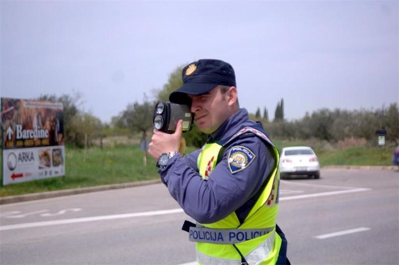 [PU ISTARSKA] U srijedu 24-satni nadzor brzine kretanja vozila - Pogledajte kojih je to 10 lokacija na Labinštini