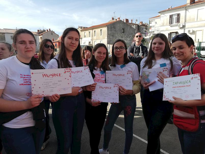 """Ekipa OŠ """"I.L.Ribar"""" druga na 11. Međužupanijskom natjecanju mladih Crvenog križa"""