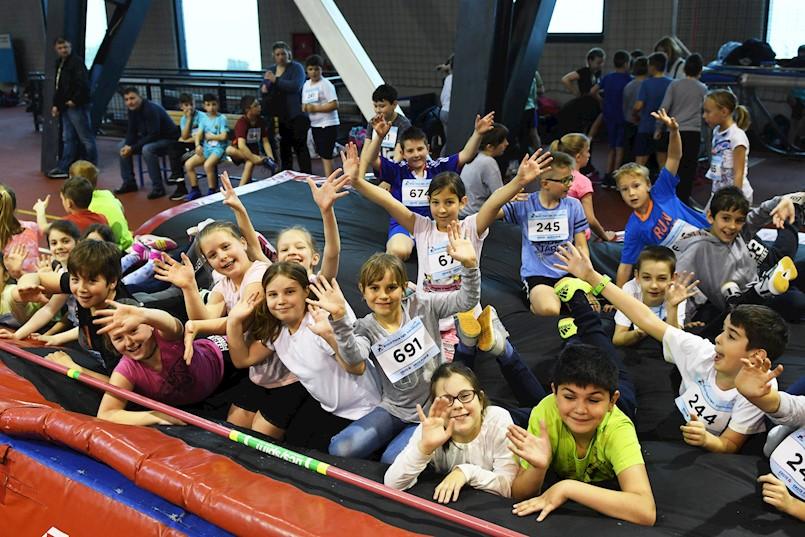U 7. sezoni Erste plave lige nastupili i polaznici osnovnih škola Labinštine | Na kišovitoj Kantridi nastupilo čak 730 osmoškolaca