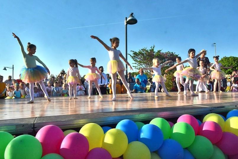 Studio Move me iz Labina na obilježavanju Svjetskog dana plesa
