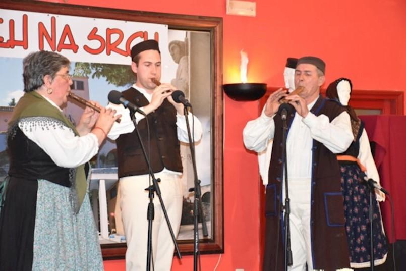 RAŠA | Meh na srcu, susret svirača na istarskim autohtonom instrumentima: ZASVIRALE DVOJNICE, ŠURLE, SOPELICA I MEŠNICA