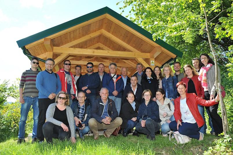 """LAG """"Istočna Istra"""" s Udrugom pčelara Labinštine sudjelovao u promociji pčelarstva u Sloveniji u sklopu zajedničkog projekta suradnje MED-O-VITA"""