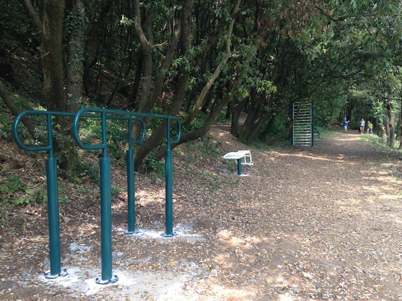 Na Trim stazi i na Girandelli postavljene sprave za vježbanje