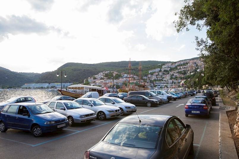 Od danas počinje naplata parkinga u Rapcu