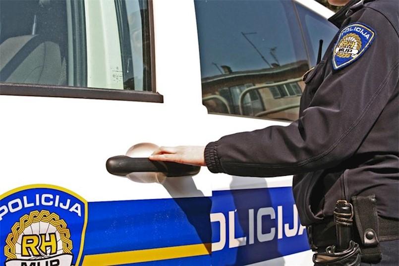 Labin: Uhvaćen maloljetnik koji je provaljivao u aparate za tople napitke