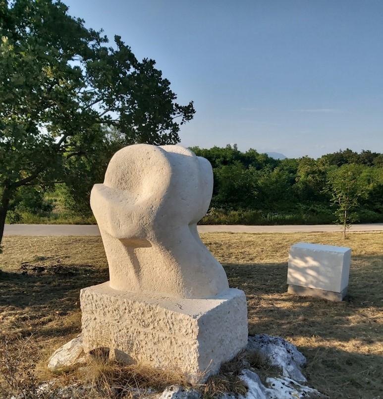 Bassijeva skulptura na Pilju dobila ljetno osvježenje