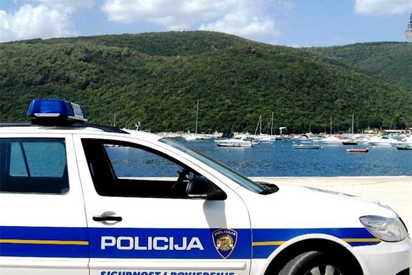 Policija pojačano kontrolira nepropisno parkiranje u Rapcu