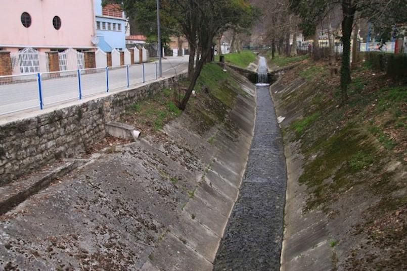 Vodovod traži rješenje za raški kanal