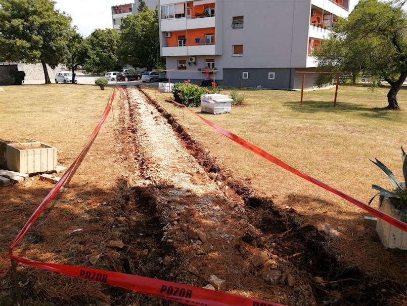 U tijeku sanacija pješačke staze u naselju Kature