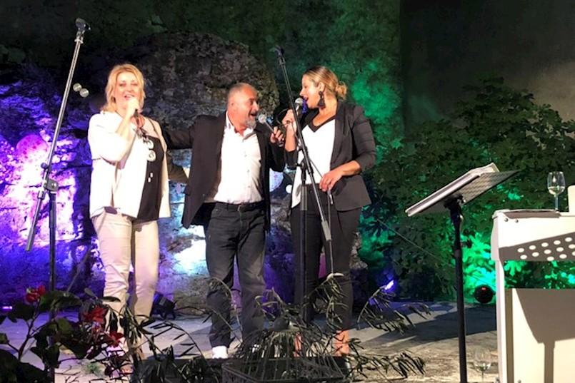 U starom gradu Kršanu održana istarska romantična večer: ROMANTIČNI KRAJCAR, HUSAR I RAZZI