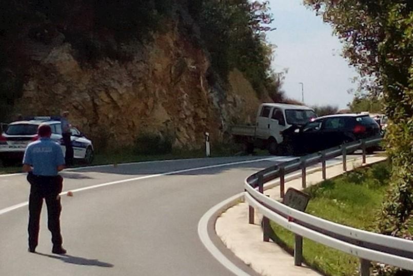 Vozilići - Plomin:  U frontalnom sudaru kamiona i osobnog automobila ozlijeđene tri osobe