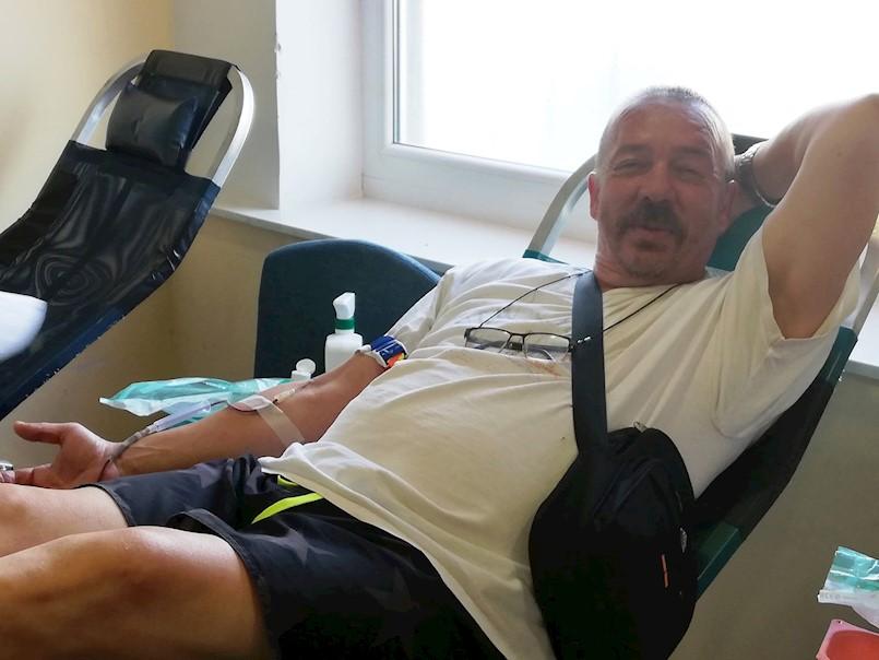 Na akciji darivanja krvi u Labinu prikupljeno 65 doza krvi | Marijan Kos 100-ti puta darovao krv!