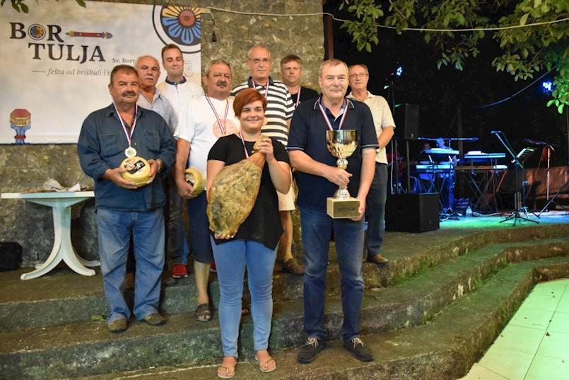 Dea Načinović i Gianvlado Klarić najbolji na turniru u briškuli i trešeti u Svetom Bortulu