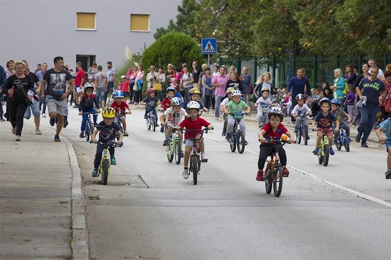 Dječja biciklijada radi kiše odgođena za četvrtak