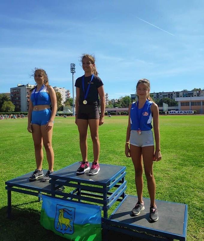 Odlični rezultati mladih atletičara AK Albona na Prvenstvu Istre | Prva mjesta za Agatu Miletić i Ivana Radočaja