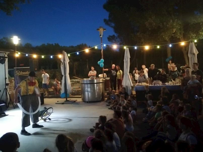 U Valamarovom Tunarica Sunny Campingu održana još jedna vesela 'Domoća fešta od mora'