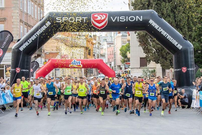 Članovi Triatlon kluba Albona Extreme na Pula maratonu