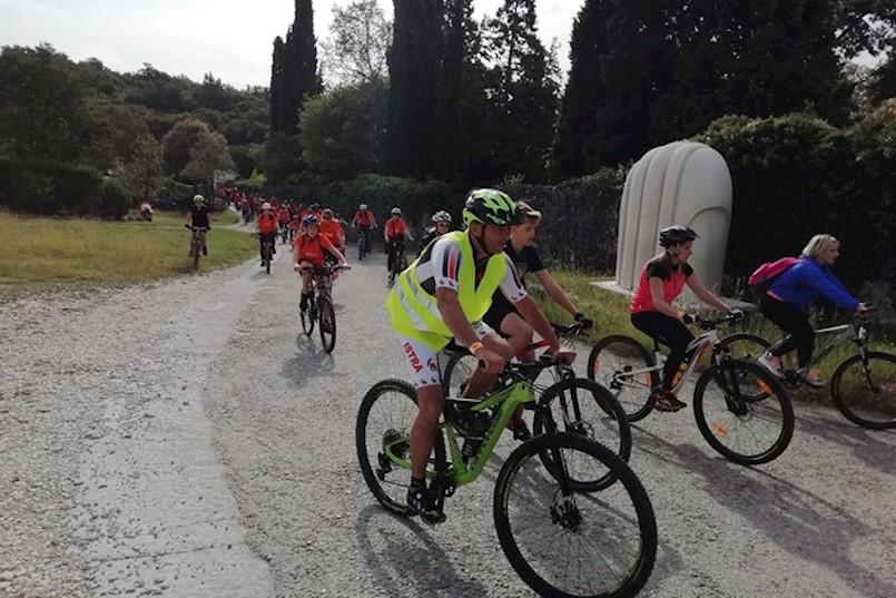 BICIKLIZAM I GASTRO DOŽIVLJAJ: Sinergija okupila 320 velikih i malih biciklista