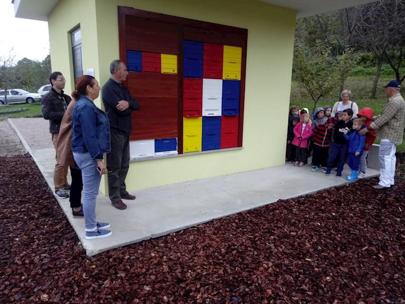 Dječji vrtić Kockica iz Kršana prvi posjetitelji Edukativnog gradskog pčelinjaka u Labinu