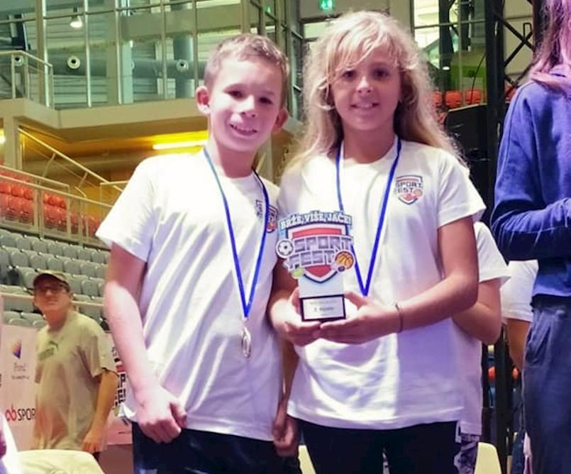 Toni i Viktoria Hrvatin osvojili drugo mjesto na teniskom momčadskom prvenstvu do 12 godina