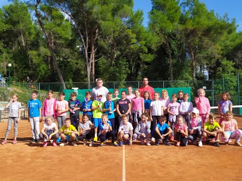 Održano Otvoreno prvenstvo Rapca za tenisače i tenisačice do 9 godina
