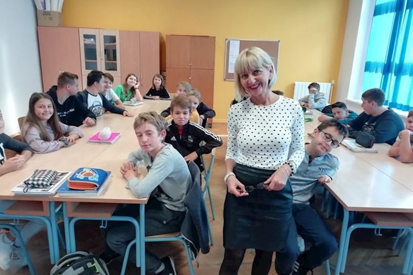 PRIZNANJE ZA DOPRINOS U PODRUČJU ŠKOLSTVA Hasnija Karlović: Najveći užitak je neposredan rad s djecom, a ne s papirima