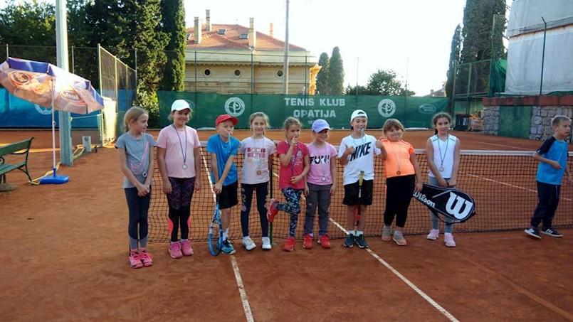 Najmlađi tenisači Rapca na turnirima u Opatiji i Ogulinu